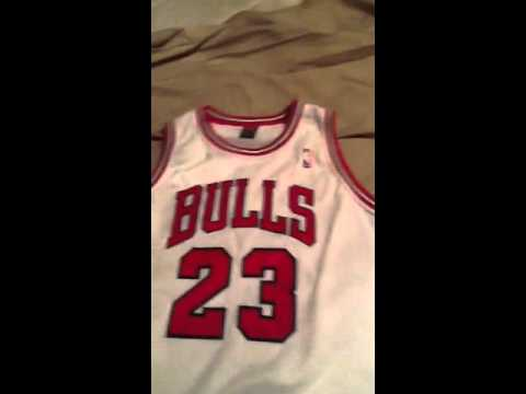 tymchp Real or Fake? Michael Jordan Home Nike Jersey - YouTube