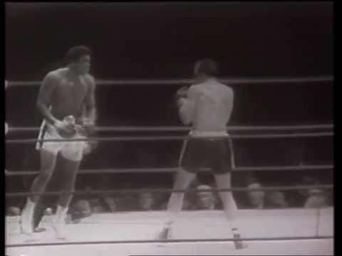 Muhammad Ali vs Henry Cooper II 21.5.1966 - World Heavyweight Championship (6th Rd TKO)