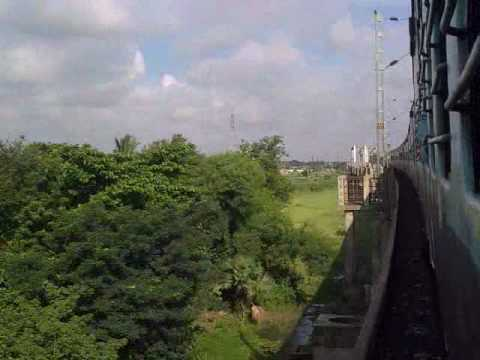 Howrah- Burdwan Main Line meets the Howrah-Burdwan Chord Line.3gp