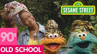 Sesame Street: Singing About Friendship with Erykah Badu