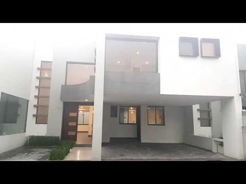 Casa Dentro De Residencial En Metepec.