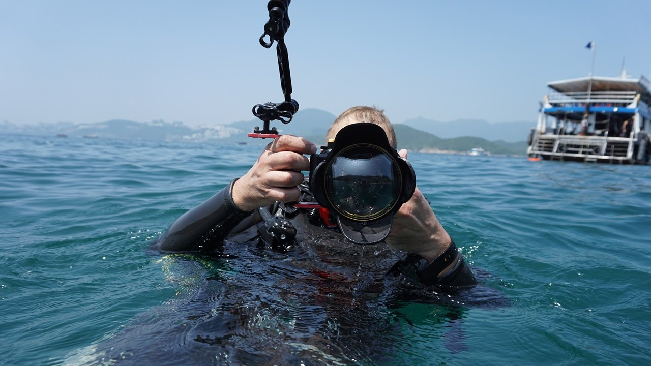How to mount Meikon wide angle correctional dome port lens underwater ...