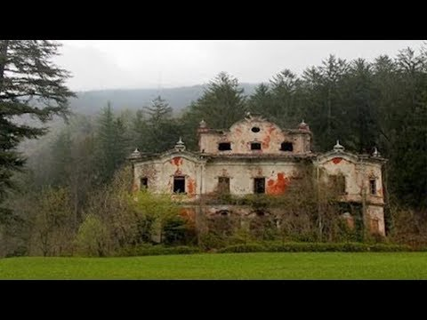 10 Most Incredible Abandoned Mansions In The World!