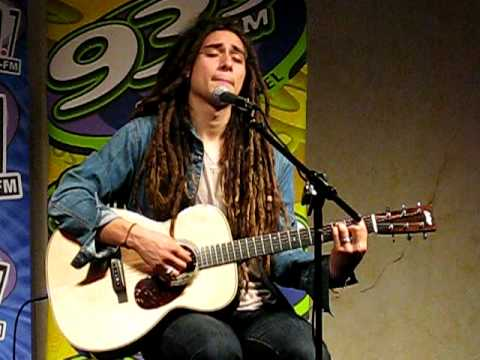 """Jason Castro """"Hallelujah"""" private acoustic performance in Tampa 5/8/10"""