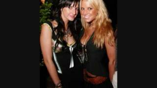 Ashee Simpson and Jessica Simpson - Little drummer boy