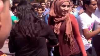 Download Video رقص بلدي في الشارع وأجمل بنت MP3 3GP MP4