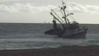 Fishing boat Pacific Bully of San Pedro appears beached since this morning