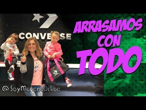 Converse me invito a su showroom  y mis hijos arrasaron con todo! que Oso! . Mariana Ochoa