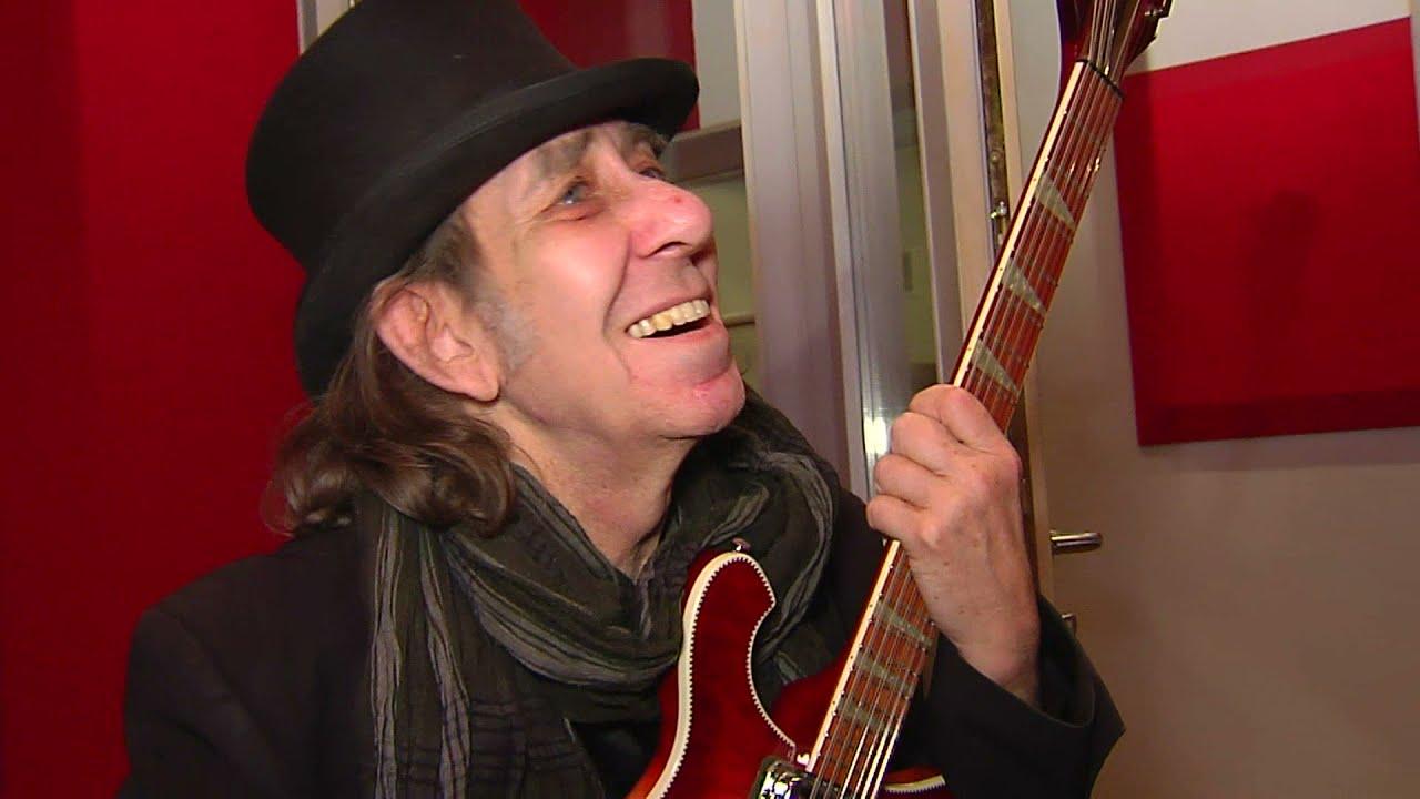 Nick Woodland - Rock 'n' Roll- und Blues-Gitarrist - YouTube