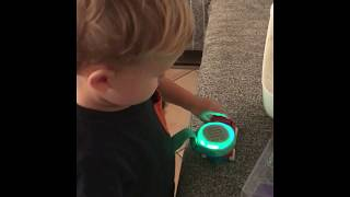 Baixar JBL JR POP: unpacking and review (by my little child)