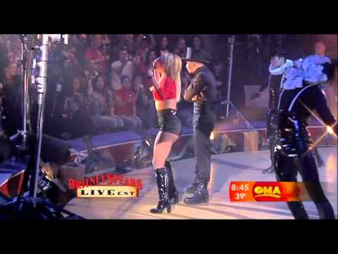 Britney Spears - Womanizer Live