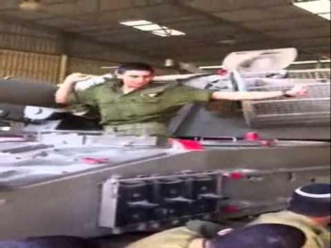 IDF soldier dancing on tank remixxxx