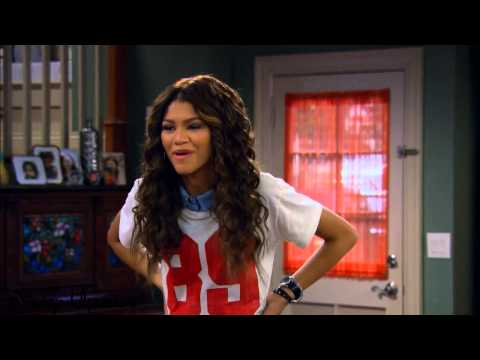 "K.C. Undercover | ""My Sister from Another Mother... Board"" Sneak Peek"