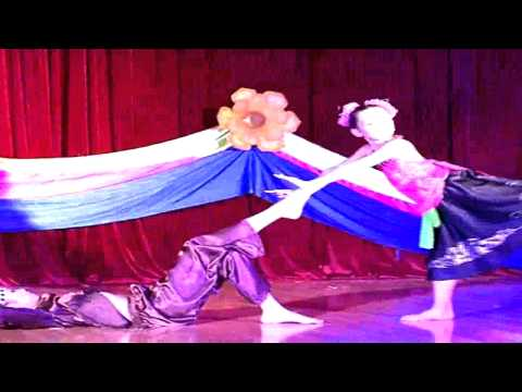 MS 11 - Múa hứng dừa - TH Thị Trấn Đông Triều