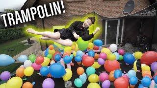 125 Luftballons auf dem TRAMPOLIN! 😂🎈**platzen**