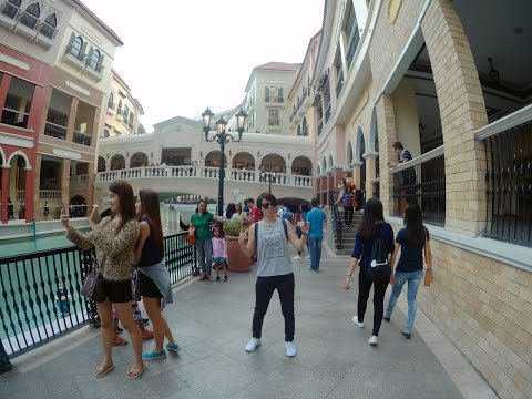 Venice Piazza, Grand Canal Mall, McKinley Hill - Taguig City (Philippines)