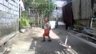 Azzam main Bola
