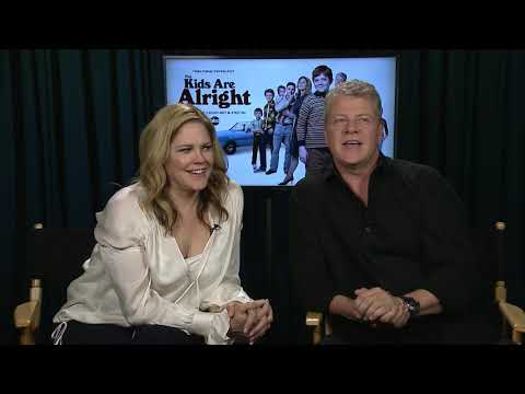 Mary McCormack, Michael Cudlitz go back to the 70s for 'The Kids are Alright'