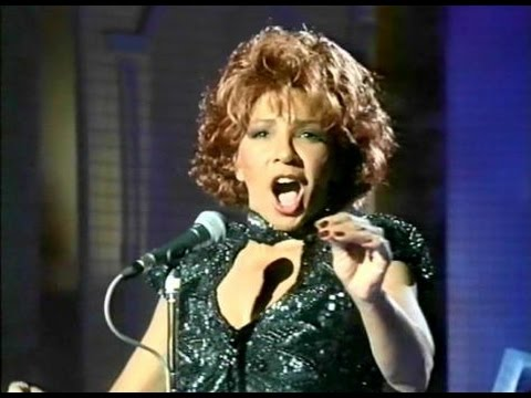 Shirley Bassey -Who Wants To Live Forever-