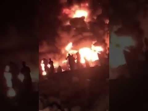 حريق اندلع في عدد من المستودعات بحي الدار البيضاء جنوب الرياض