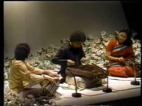 Shivkumar Sharma + Zakir Hussain Concert in Tokyo (1988)  1/2