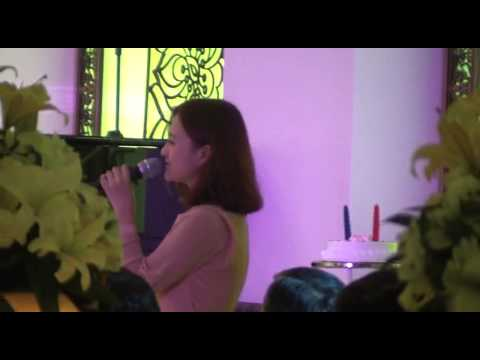Hyun ae Jung (정현애) singing for the wedding (Kissing you by Lyn)