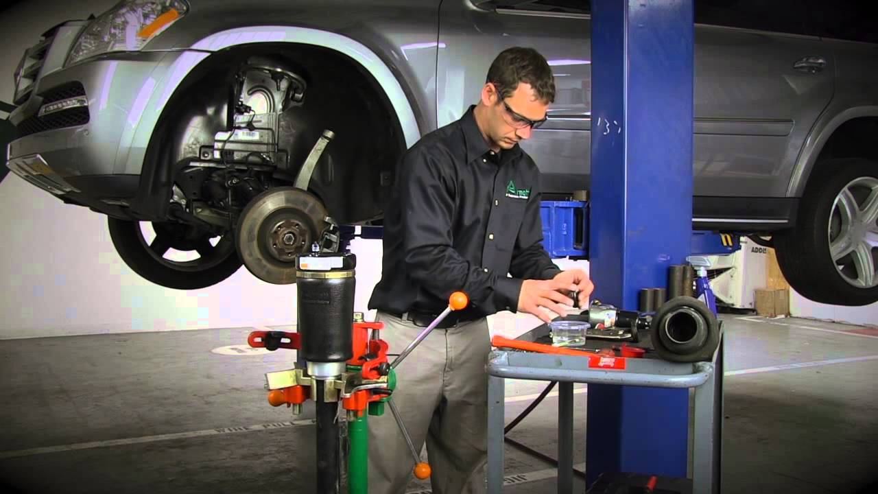 small resolution of installling the arnott new front air spring on mercedes benz gl ml class a 2575 youtube