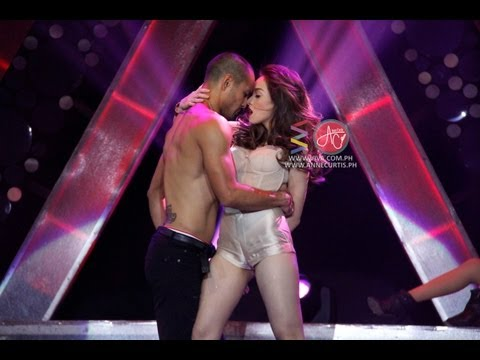 Cristine Reyes & Derek Ramsay sexy performance [LIVE!!!]