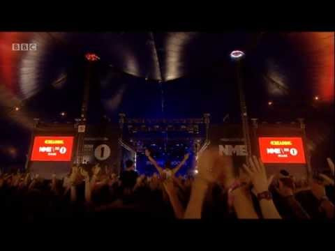 Imagine Dragons - Round And Round [LIVE @ Reading Festival 2013]