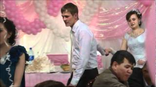 СвадьбаТанец с зонтом
