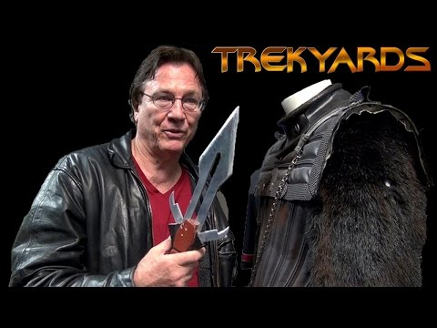 Examining the Klingon Uniform with Richard Hatch