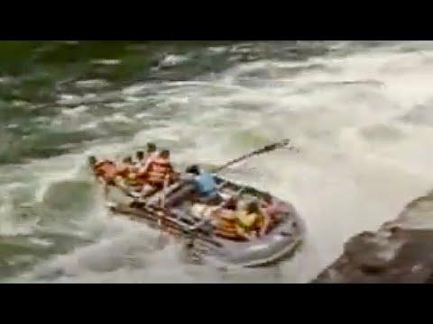 White water rafting on the Zambezi river - BBC