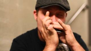 1 Man Beatboxing Harmonica Filmed on Canon 35mm f/1.4L + 7D Video Test