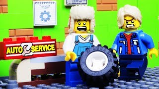 LEGO CHRISTMAS CORNER GARAGE - LEGO CITY CAR ROBBERY