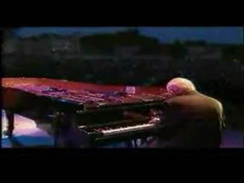 "Tony Bennett sings ""In A Mellow Tone"" Leeds 2000"