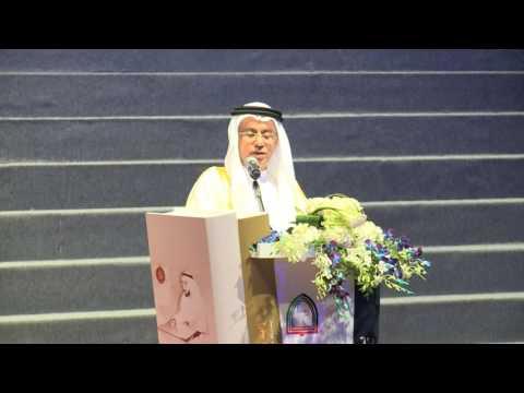 وزير التربية يكرم مجموعة من خريجي الدفعتين 24 و 25 من كلية أبوظبي للطلاب