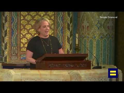 """Roberta A. """"Robbie"""" Kaplan Speaks at Edie Windsor's Funeral"""