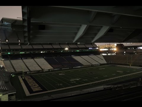 Sneaking Into College Football Stadium (UW Husky)   VERY VERY SHORT VLOG