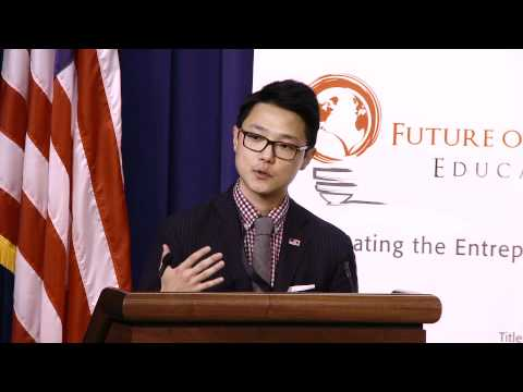 Ronnie Cho, Associate Director of the Office of Public Engagement, at the White House Empact100