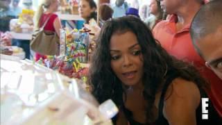 Janet Jackson at Dylan's Candy - Par1.FLV