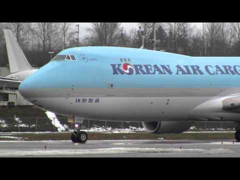 Korean Air Cargo 747-8F Takeoff