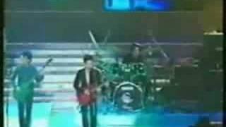 【1997年叱吒樂壇頒獎典禮】Beyond在台上演譯霧.