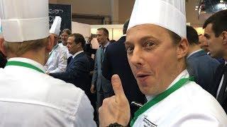 Дмитрий Медведев знакомится с шеф-поварами.