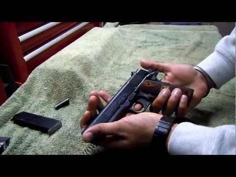 Colt 45 der Stripper