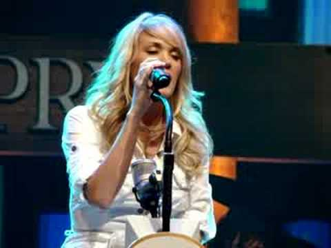 carrie underwood ♥ don't forget to remember me