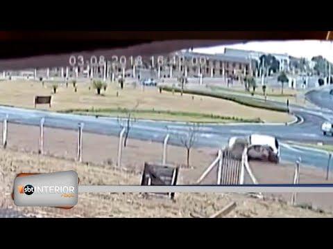 Circuito de segurança flagra capotamento em rodovia