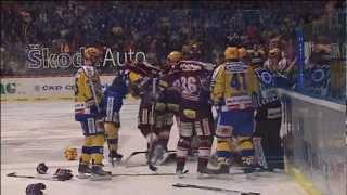 Největší hokejová bitka v extralize (Zlín - Sparta 4:1)