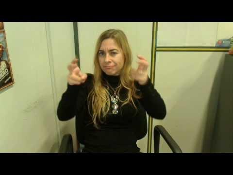 """""""Mélie avec tendresse, le secret d'une petite fille sourde"""" (rencontre avec un auteur)de YouTube · Durée:  52 secondes"""