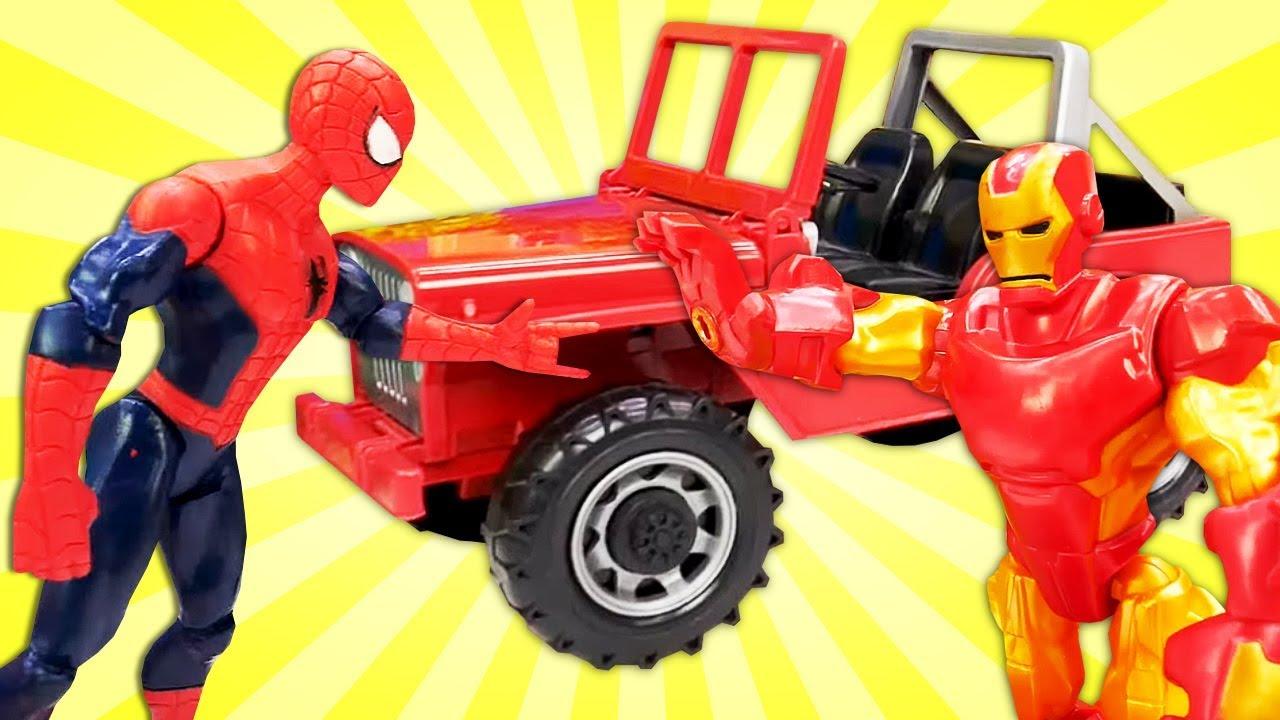 Видео про супергероев! Человек паук ремонтирует машину ...