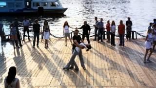 """Бесплатные уроки танцев в парке """"Кузьминки"""""""